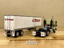 DCP 1/64 ALTERMAN Peterbilt 352 Cab Over And 40' Vintage Reefer Trailer Farm Toy