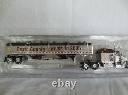Dcp 1/64 Ipm International Plowing Match 2005 Peterbilt Cab Grain Trailer Semi