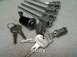 New Peterbilt 359 Ignition Cab Storage Glove Box Lock Set Nos Keys Plus Spares
