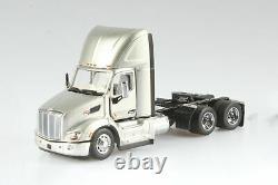 PETERBILT 579 ULTRALOFT DAY CAB SBFA TRUCK TRACTOR 1/50 scale DIECAST MASTERS